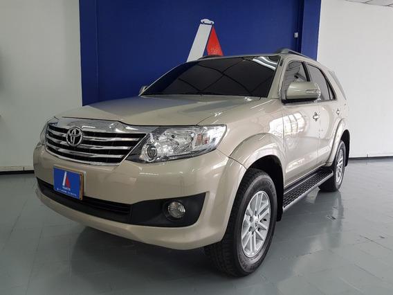 Toyota Fortuner Urbana 2013