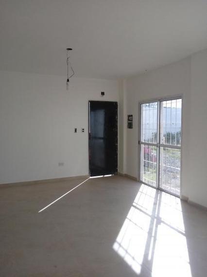 Ph Alquiler 1 Dormitorio, Cochera Y Jardín-52 Mts 2 -bajas Expensas- La Plata