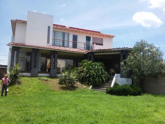 Colinas Del Bosque Casa