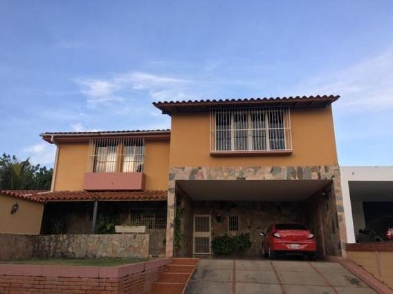 Casa En Venta El Pedregal 20-2554 Rbl