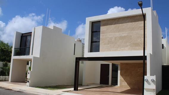Casa Con Alberca En Privada Al Norte