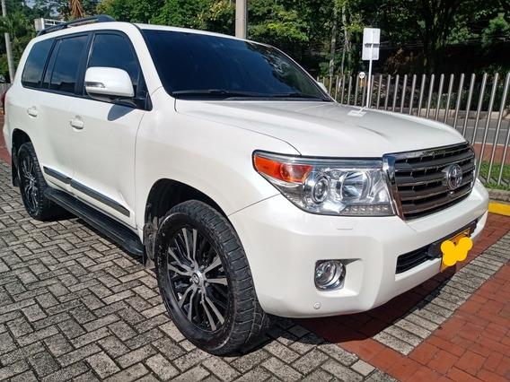 Toyota Land Cruiser 200 Diesel 2015