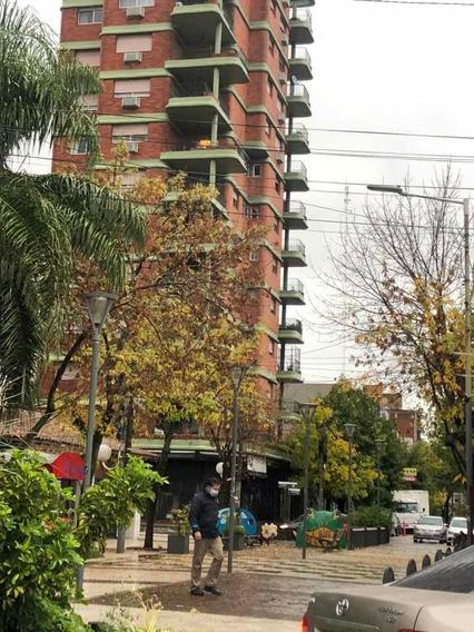 Alquiler Depto. 6 Ambientes, Centro De Castelar, Lado Sur.