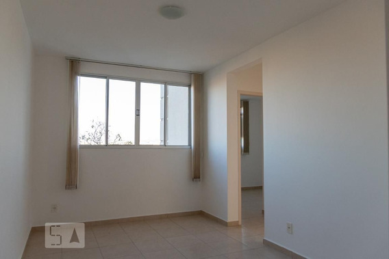 Apartamento No 6º Andar Com 2 Dormitórios E 1 Garagem - Id: 892947821 - 247821