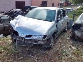 Sucata Baixada Renault Megane 1.6 2001,p/ Retirada De Peças