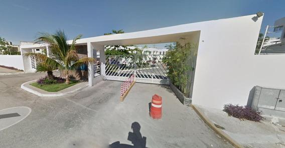 Remate Bancario En Playa Del Carmen - Residencial Paraiso Oasis
