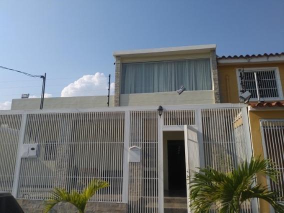 Casa En Venta Urb La Morenera 20-1923 Jm 04145717884
