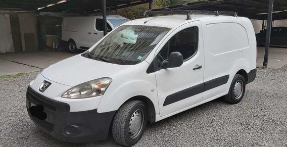 Camioneta Patner Maxi Unico Dueño