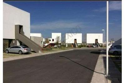 Casa Duplex Con Excelentes Acabados Y Amplios Espacios. (planta Alta). Fraccionamiento El Mirador