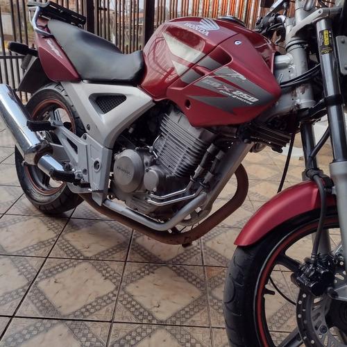 Imagem 1 de 6 de Honda Cbx 250