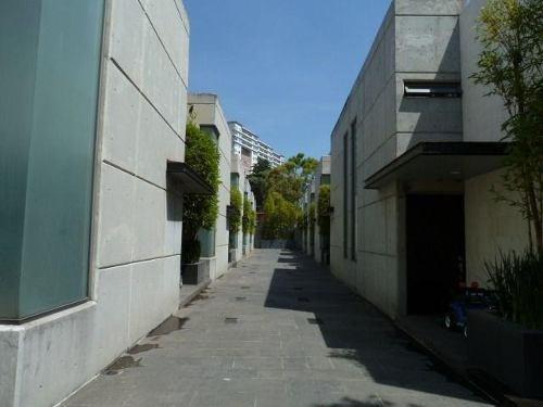 Casa Castorena. Seguridad, Ubicación, Proyecto Minimalista.