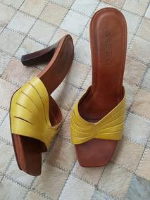 Sandalia Tipo Mule Couro Amarelo Arezzo Diferente Confortáve