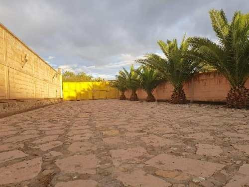 Quinta Para Eventos En Peña De Bernal, Con Alberca, Cabaña Y Corrales