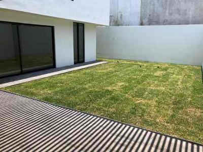 Casa En Venta En Privadas Del Pedregal, San Luis Potosí