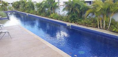 Apartamento Com 2 Quartos, Sala, Cozinha, Banheiro, Varando.
