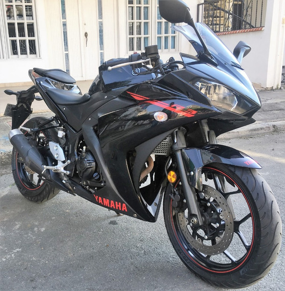 Yamaha R3 Negra 2016