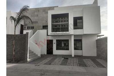Departamentos En Venta En Privada Condos Juriquilla Queretaro $2,300,000 Planta Baja Y Nivel 1