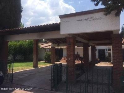 Casa En Renta En San Gil, San Juan Del Rio, Rah-mx-18-217