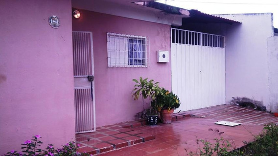 Casa En Venta En Zona Norte De Barquisimeto Rahco