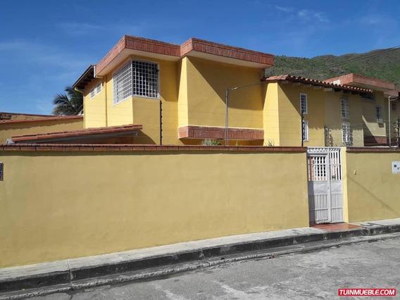 Townhouses En Venta El Castaño 0412-8887550