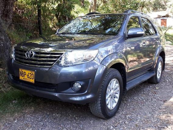 Toyota Fortuner Urbana 2.7 4x2 7 Puestos