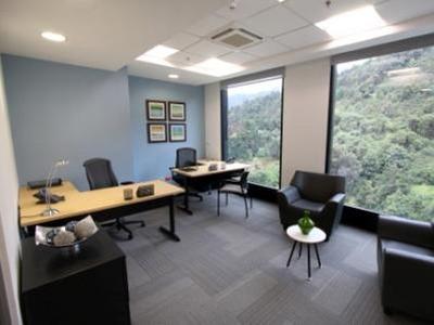Oficina Para 3/4 Personas En Bogota, Capital Tower. Tower 1
