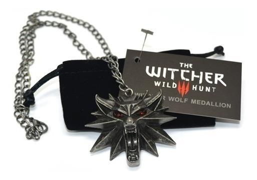 2x Colar Pingente The Witcher 3 Geralt Lobo Olhos Vermelhos