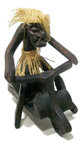 Imagen 1 de 4 de Figura De Madera Primitivo En Moto Artesanía Decoración