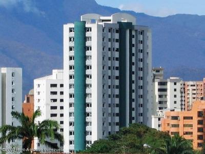 Excelente Apartamento A La Venta De 3 Habitaciones