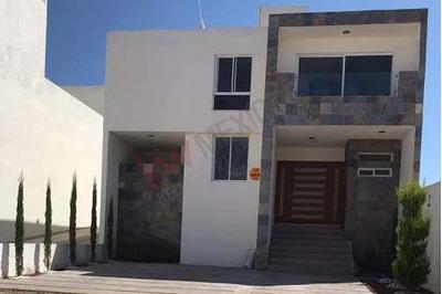 Casa En Renta En Fraccionamiento Privado La Vista Cerca De Lomas Del Tecnológico Y Tec De Monterrey