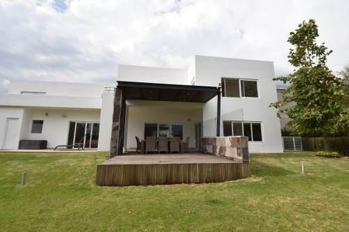 Casa En Condominio En El Campanario, Querétaro