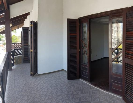 Casa Em Guanabara, Joinville/sc De 180m² 3 Quartos Para Locação R$ 2.000,00/mes - Ca387649
