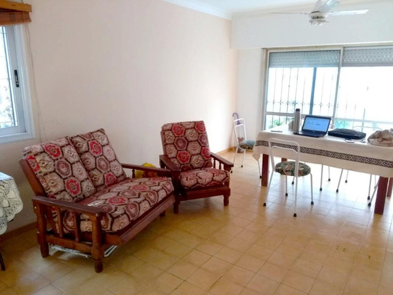 2 Dormitorios | 2 Patios | Terraza