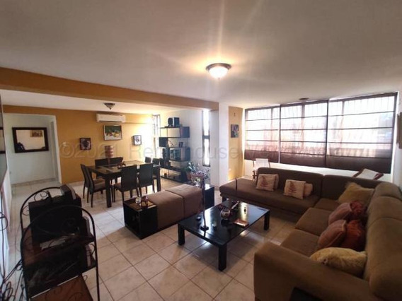 Apartamentos En Venta En Zona Oeste 21-12448 Rg
