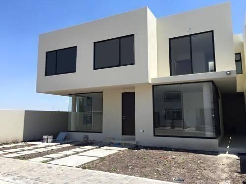 Imagen 1 de 15 de Hermosa Casa En Venta En Fraccionamiento Privado, Dentro De