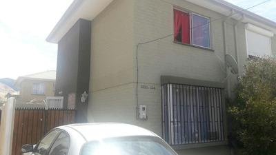 Casa 2 Pisos, 2 Dormitorios, Hacienda Larapinta