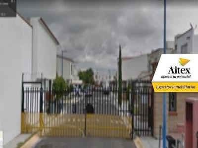 Excelente Casa En Remate Bancario Querétaro- Villas San Miguel