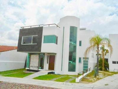 Gps/ Casa En Renta Amueblada Con Vista Al Lago, Cumbres De Juriquilla.