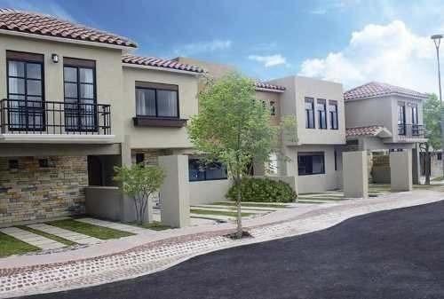 Se Vende Hermosa Casa En Zibata, Fraccionamiento Exclusivo--