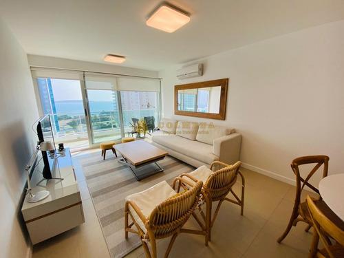 Departamento 2 Dormitorios En Gala Tower, Mansa, Punta Del Este - Ref: 3745