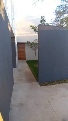 Hermosa Casa A Estrenar 3 Recamaras,2 Baños,alberca,garage