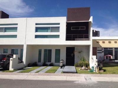 Hermosa Casa En Preventa En Fracc El Refugio Qro. Mex.