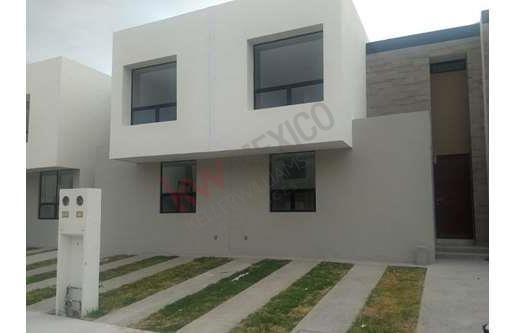 Casa En Renta En Puerta Natura Modelo Castaña Totalmente Nueva En Excelente Ubicación , Equipada .