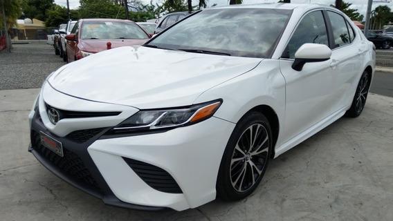 Toyota Camry Se Blanco 2018