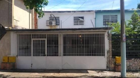 Asein 491 Vende Casa En Urbanización La Isabelica Valencia