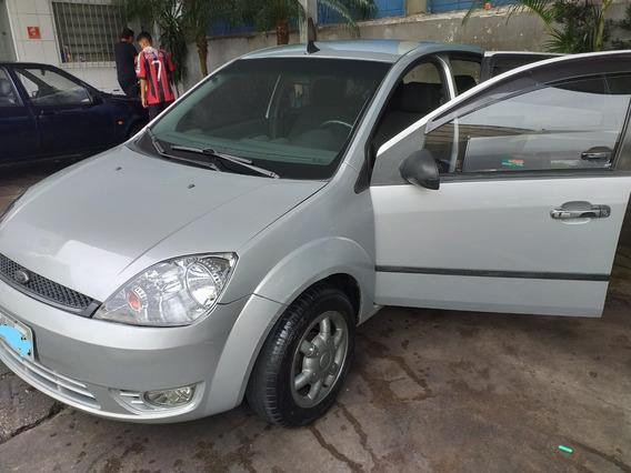 Fiesta Sedan - 1.6 8v - 2006 Flex - Completo