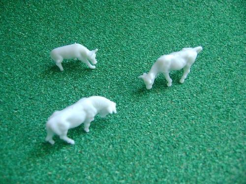Imagen 1 de 10 de Nico 9 Vacas Plasticas Distintas Posiciones H0 (pvh 81)