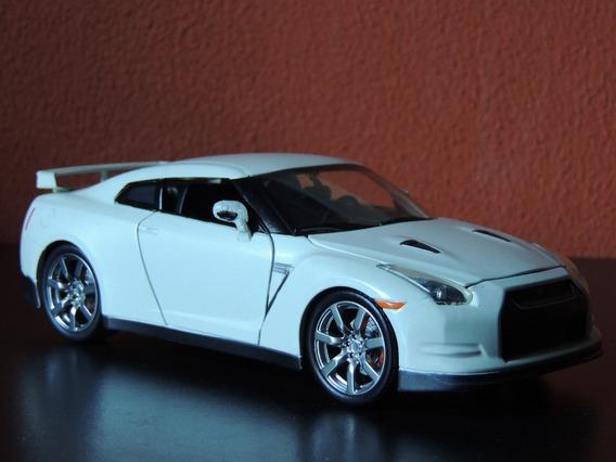 Miniatura Nissan Gt-rbranco Perolado1:24jadatoys