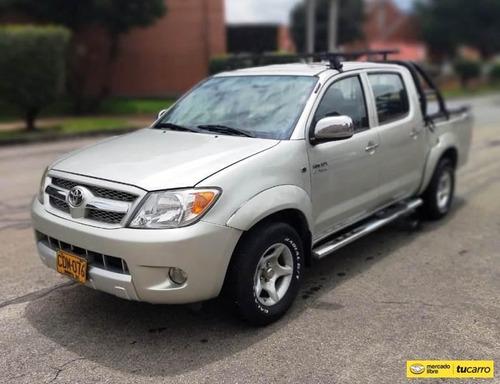 Toyota Hilux 4x2 2700cc Mt