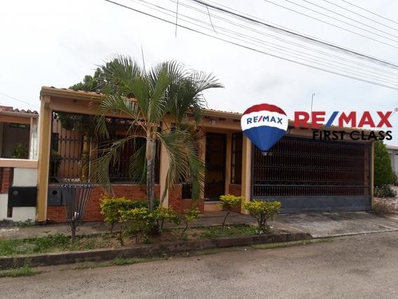 Amplia Y Bonita Casa En Alto Barinas Norte. Cod 407694